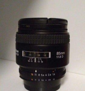 Объектив Nikon 85mm f/1.8D AF Nikkor