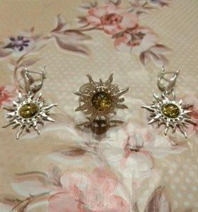 Серебряный набор с янтарём 16-16,5 размер кольца