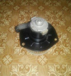 Мотор печки HINO