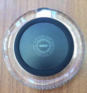 Беспроводное зарядное устройство Remax