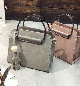 Маленькие женские сумочки.