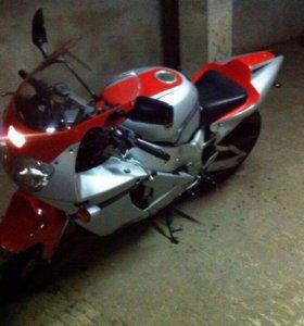 Yamaha YZF 750R(R7)без пробега по рф