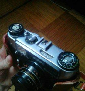 Фотоаппараты.в чехле как новые