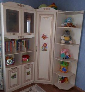 Детская мебель (гарнитур)