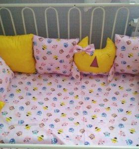 Бортики в кроватку .