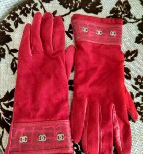 Кожаные новые перчатки