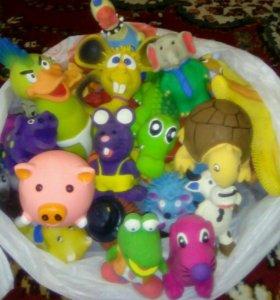 Резиновые игрушки.