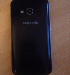 Продаю телефон Samsung