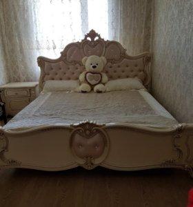 Срочно продаю спальный гарнитур