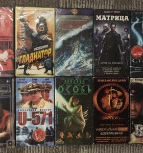 Кассеты с фильмами и мультфильмами