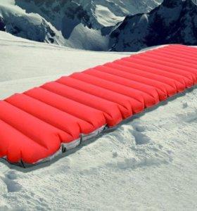Зимний надувной коврик для походов