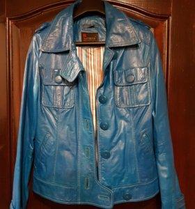 Кожанная куртка,пальто