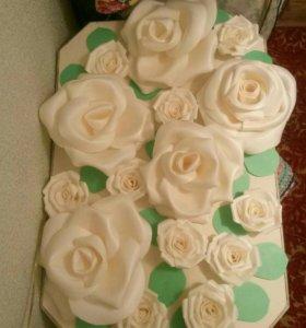 Настенные розы