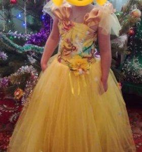 Платье нарядное для девочки 6-7 лет.