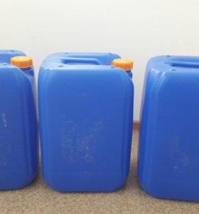 Канистры пластиковые 35 литров.