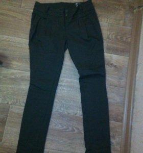 Почти новые брюки