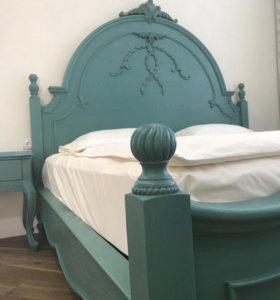 Кровать и 2 прикроватные тумбы из массива дуба.