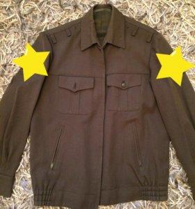 Военная форма (шинель, рубашки, свитер и др.)