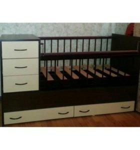 Кровать детская с комодом