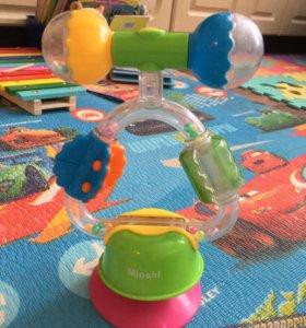 Развивающая игрушка-погремушка на присоске