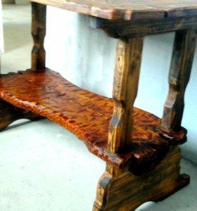 Стол в старинном стиле