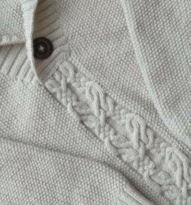 Мужской шерстяной свитер ручной работы.