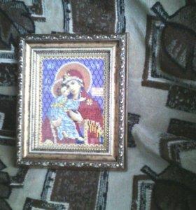 Вышитая бисером икона в роскошной багетной раме