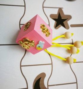 Бизикубик. Развивающая игрушка. Бизикуб