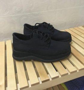 Ботинки новые Carnaby