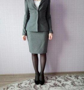 Костюм (юбка и жакет)