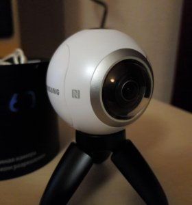 Samsung gear 360 + SD card 16 GB EVO+