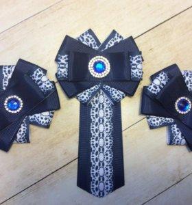 Школьный комплект: галстук и бантики для волос