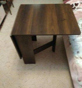 Стол- книжка и стол с зеркалом