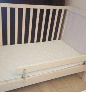 Детская кроватка фирмы ИКЕА