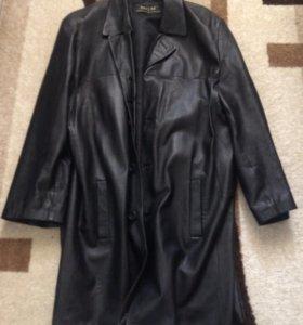 Мужское кожаное пальто