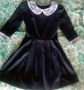 Школьное платье. 40-42 размер