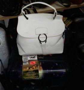 Женская сумка. Новая
