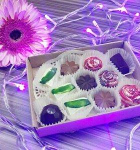 Шоколадные конфеты руч.работы, капкейки, надписи