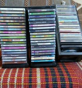 МП-3 диски, компьютерные игры.
