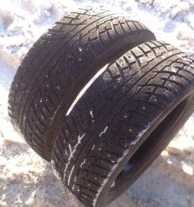 2 зимних колеса на шипах Kumho 225/55 R18