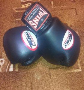 Боксерские перчатки!