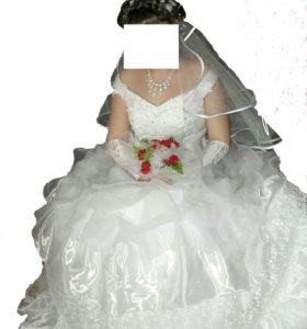 Свадебное платье (перчатки и сумочка в подарок)