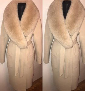 Пальто Зимнее с меховым воротником бежевое