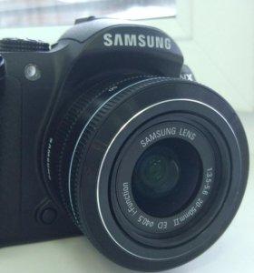 Samsung NX11 с объективом 20-50/3.5-5.6
