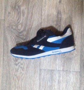 Мужские кроссовки 37-38 размер