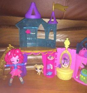 Замок от Hasbro