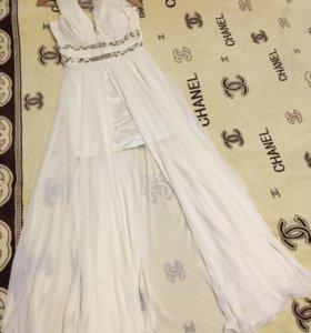 Свадебное платье (вечернее) с длинным шлейфом