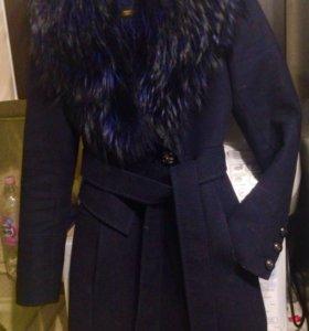 Пальто демисезонное 42-44 + шапка
