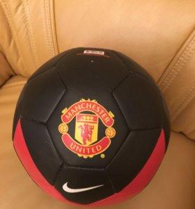 Футбольный мяч Манчестер Юнайтед