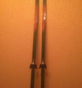 лыжи беговые и ботинки лыжные в комплекте